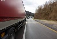 U saobraćajnoj nesreći u Semizovcu jedna osoba poginula, jedna teško povrijeđena