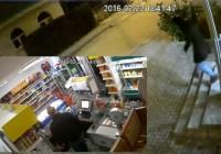 BIHAĆ Pogledajte reakciju pljačkaša kada je umjesto radnice vidio gazdu u prodavnici