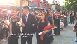 Srebrenički maturanti zablistali u svečanim odorama