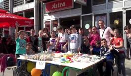 Proljetni bazar učenika Prve Osnovne škole Srebrenik: Ukusne poslastice i ručno rađen nakit (VIDEO)
